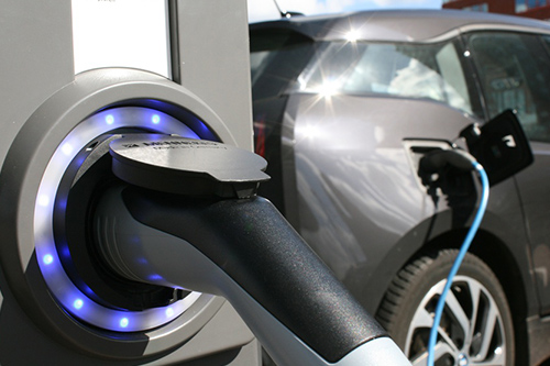 con|energy expands its range of services for e-mobility by bundling its competencies